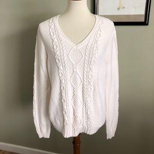 IZOD • white cable knit v-neck sweater size L